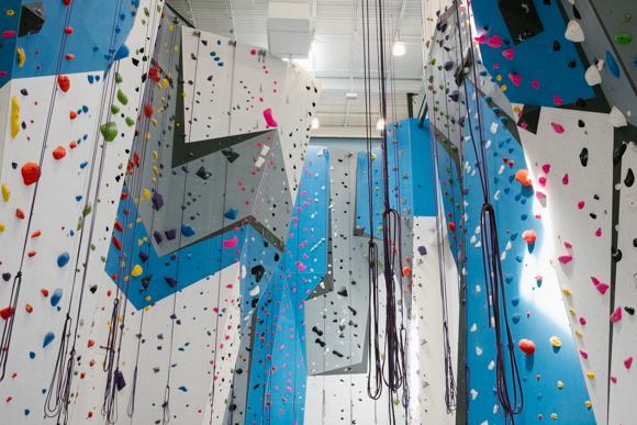 Climbing routes at Memphis Rox vary in overhang and difficulty. (Brandon Dahlberg)