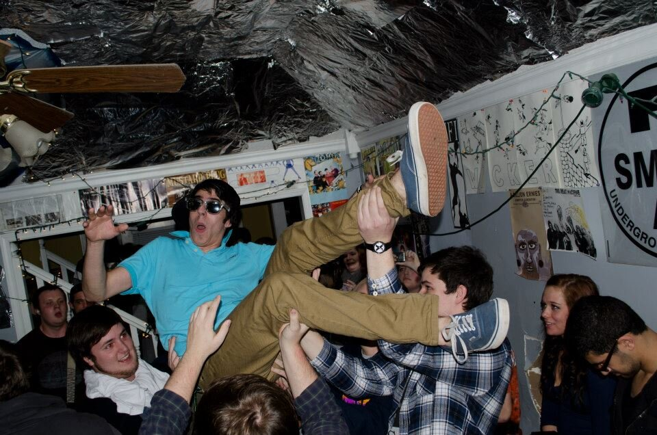 David Creech holds Chase Fryer up during a show at 7house in Jan of 2013. (Smith7)