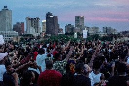 In the largest spontaneous protest in Memphis history, more than 1,000 people shut down the Hernando DeSoto Bridge in a demonstration of Black Lives Matter.