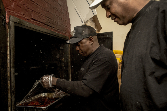 Smoky City Bar B Que Fires Up Opportunity In North Memphis