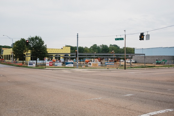 Binghampton Gateway retail center at Sam Cooper and Tillman will open by end of the year.