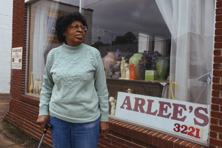 Arlee Applewhite opened Arlee's Ceramic Center in 2000, but almost 20 years later, she's struggling to find young people still interested in the craft. (Ziggy Mack)