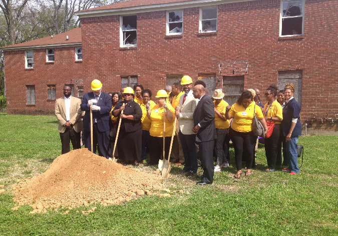 Representatives from Case Managment Inc., City of Memphis and THDA attended the groundbreaking.