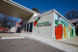 South Memphis Farmers Market is a seasonal farmers market and year-round green grocer