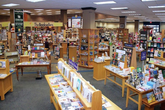 Booksellers at Laurelwood is set to close next month after a 32-year tenure.