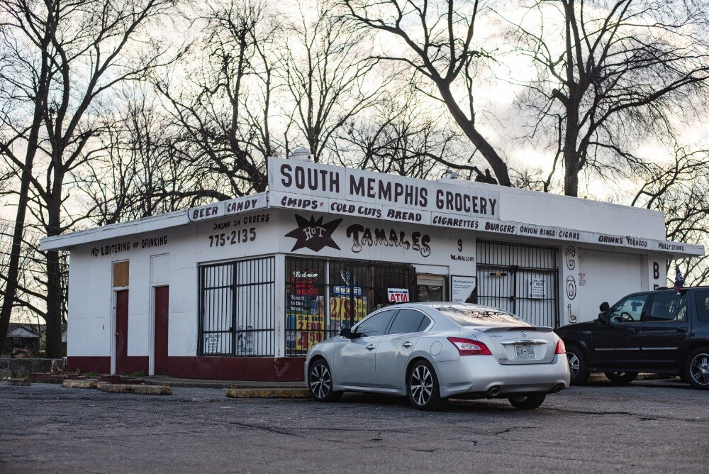 The South Memphis Market serves the neighborhood with staple items and hot food. (Malik Martin)