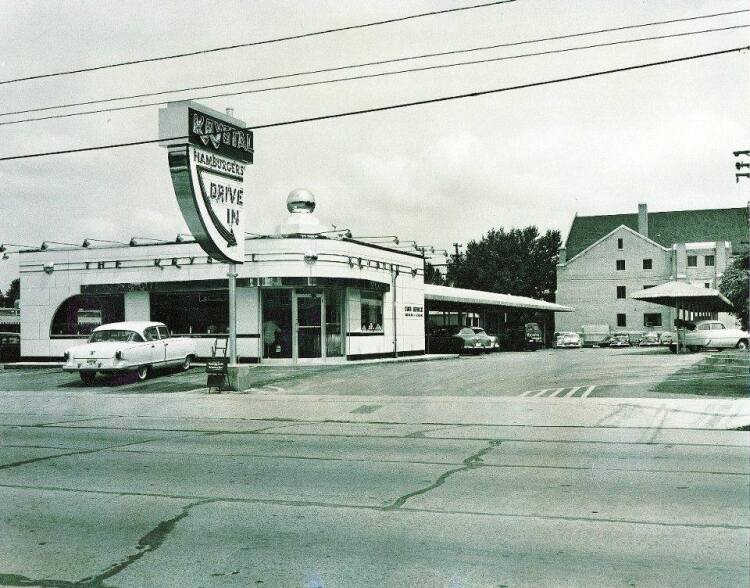 In the 1940s, Krystal restaurant opened at Summer and National. The intersection has been a major commercial hub since the 1890s. (High Ground)