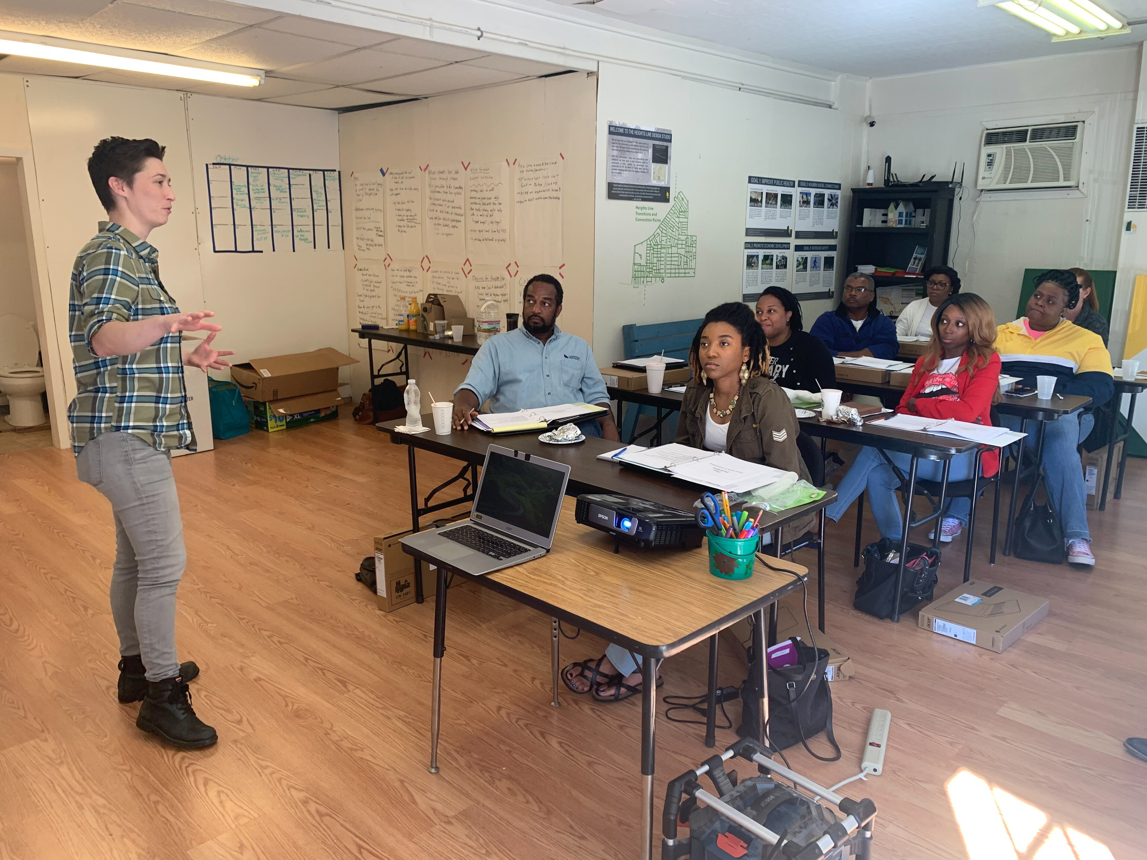 Micaela Watts, reporter for The Commercial Appeal served as the trainer for the inaugural Community Correspondents program. The program included eight residents from four Memphis neighborhoods. (Cat Evans)